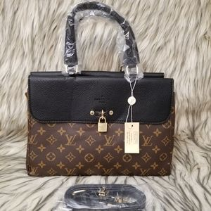 Louis vuitton 12 x 9 x 4